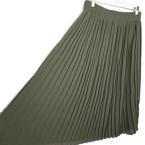 Who What Wear | pleated midi skirt | olive green